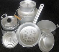 Cleaning aluminum cookware